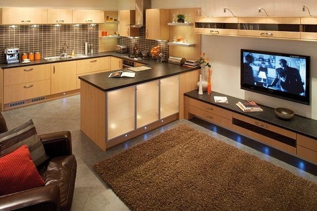 Зонирование комнаты и кухни с помощью барной стойки