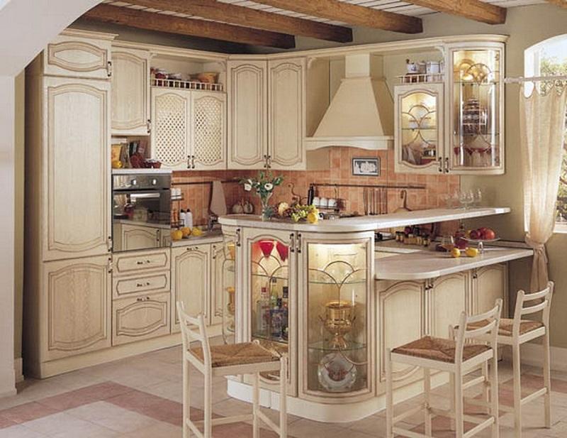 Классическая кухня с барной стойкой белого цвета