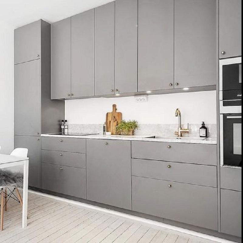 Серая матовая кухня в современном стиле