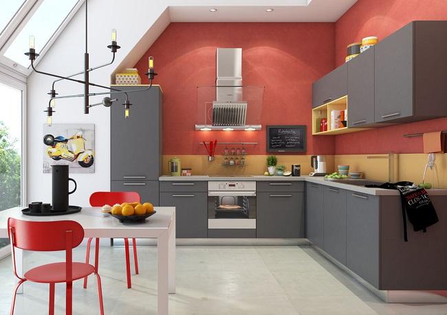 Кухня минимализм на фоне крашеной стены