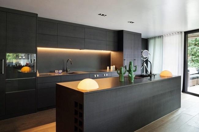 Остров в стиле минимализм на кухне