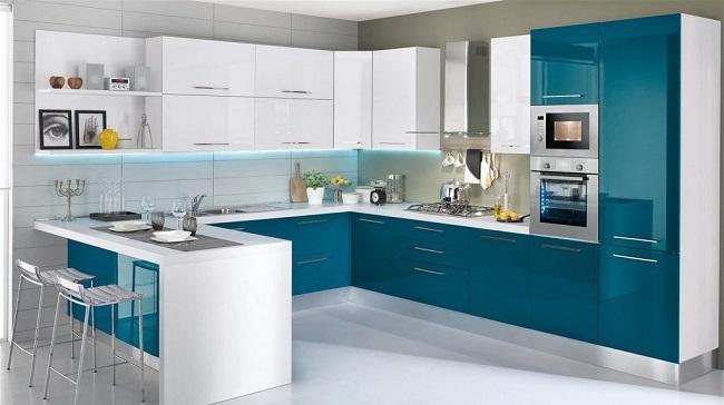 Стол на кухне в стиле минимализм