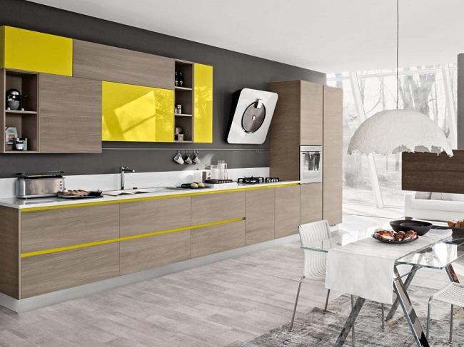 Кухня минимализм и серая отделка стен