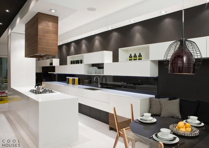 Современная светлая кухня из МДФ